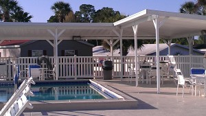 Stay Near Disney - ORO Pool Overhang